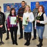 """No kreisās - Velga Krukovska, Jānis Kuzminskis, Sanita Dikule-Dikale, Edgars Andrejevs, Baiba Uzulnīka, Jānis Kupra, Rasma Bumbiere. pasākumā nepiedalījās SIA """"Slateks"""" pārstāvji, Einārs Lipskis, Velga Sarmule, fotomirklī klāt nebija Oskars Maculēvičs."""
